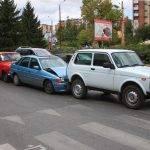 """Верижна катастрофа стана на бул. """"България"""". Ударени са три автомобила, една от версиите е за неспазена дистанция."""