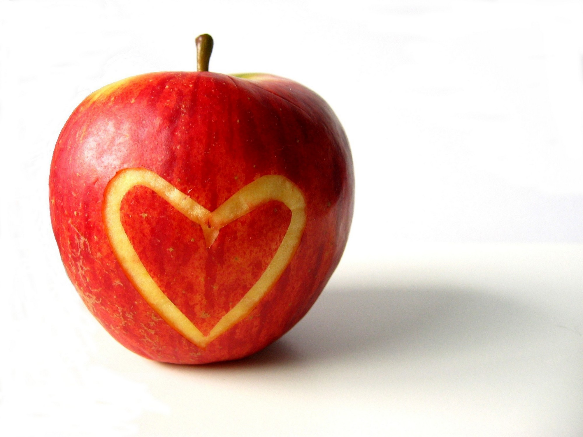 heart-health-food-apples-zdrave-mladeji