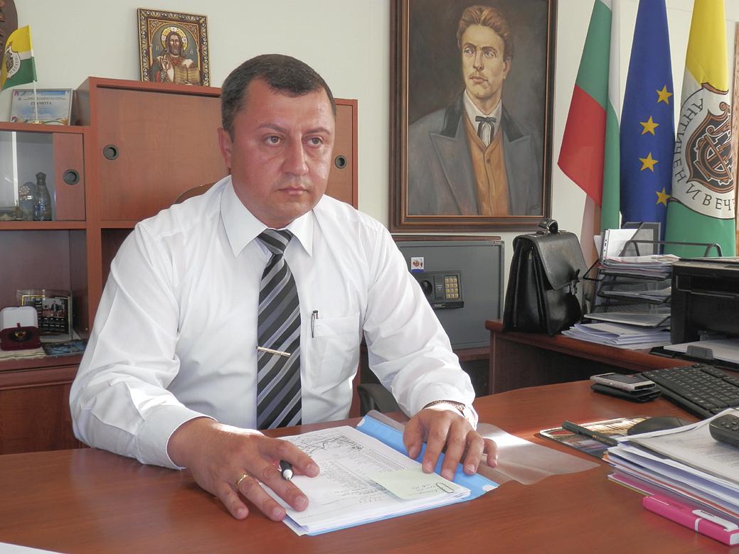 Кметът на Павликени инж. Емануил Манолов