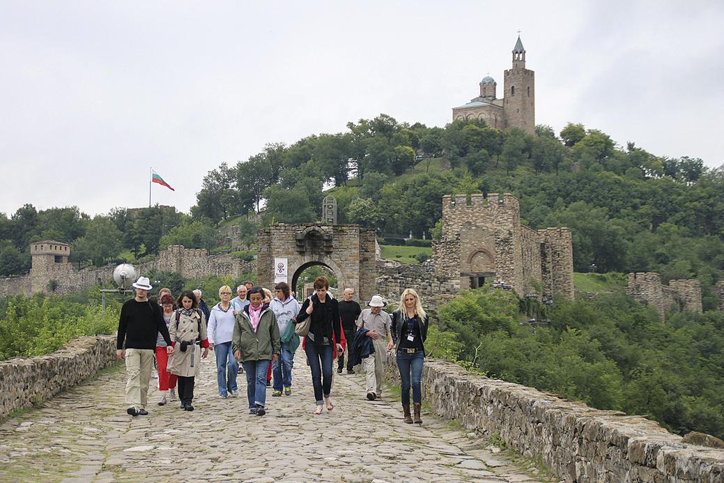"""Крепостта """"Царевец"""" продължава да е най-посещаваният туристически обект в региона."""
