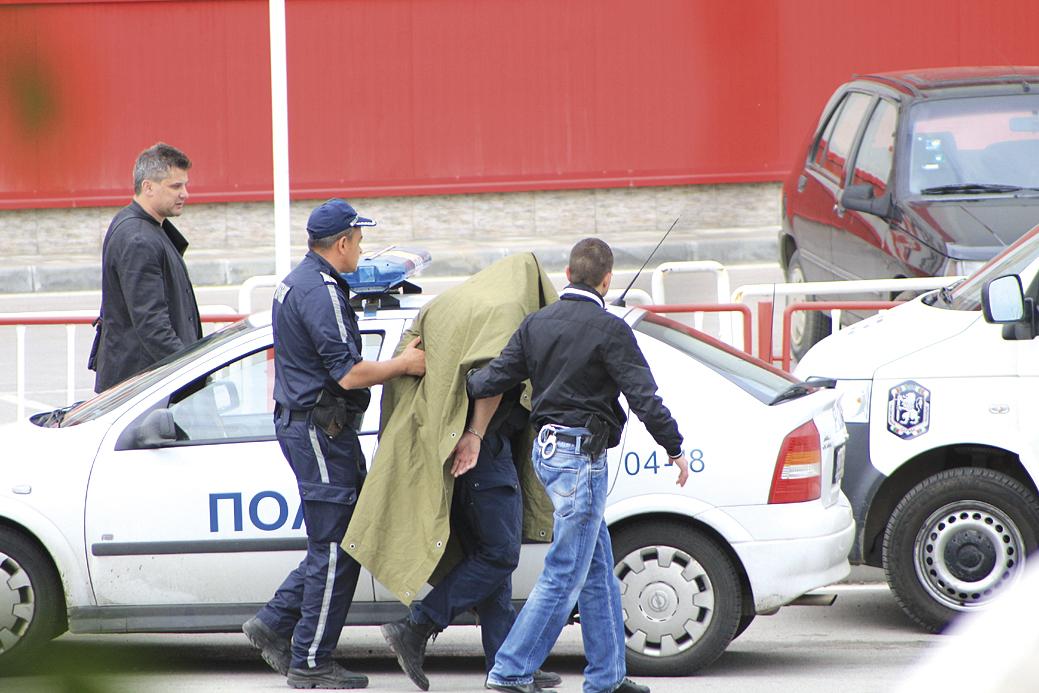 Акцията по задържането на бившия полицай Милен Иванов.