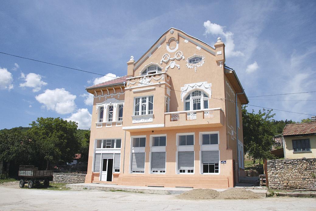 Домът на виното в Сухиндол е в къщата на богатия винарски род Влаеви.