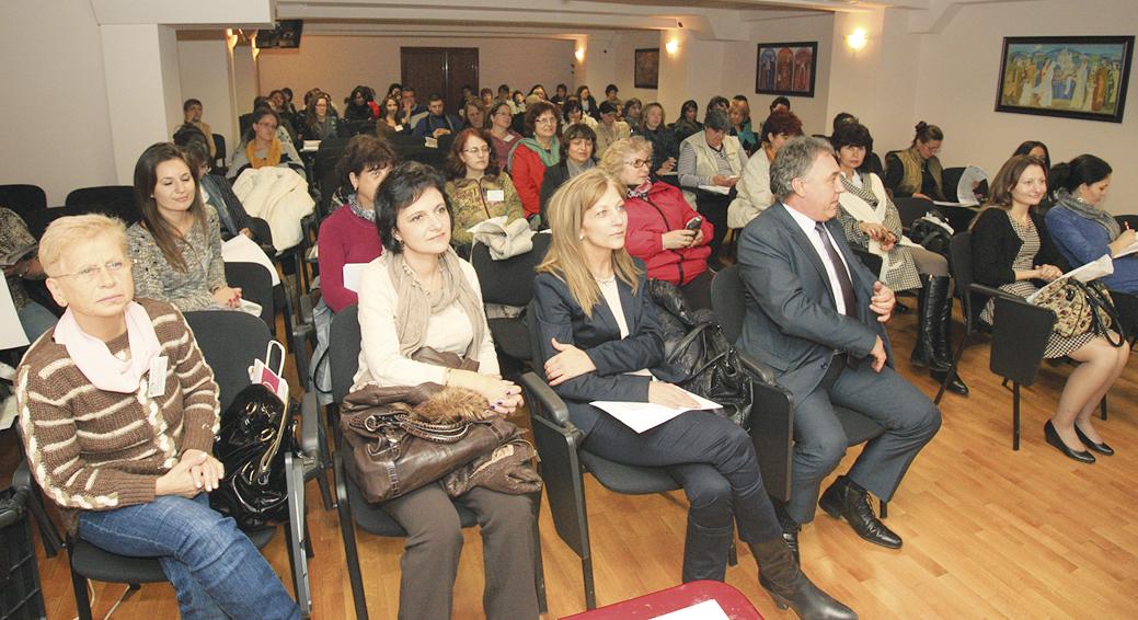 Председателят на Общинския съвет Николай Ашиков и шефката на социалната дирекция в Общината Росица Димитрова бяха гости на форума.