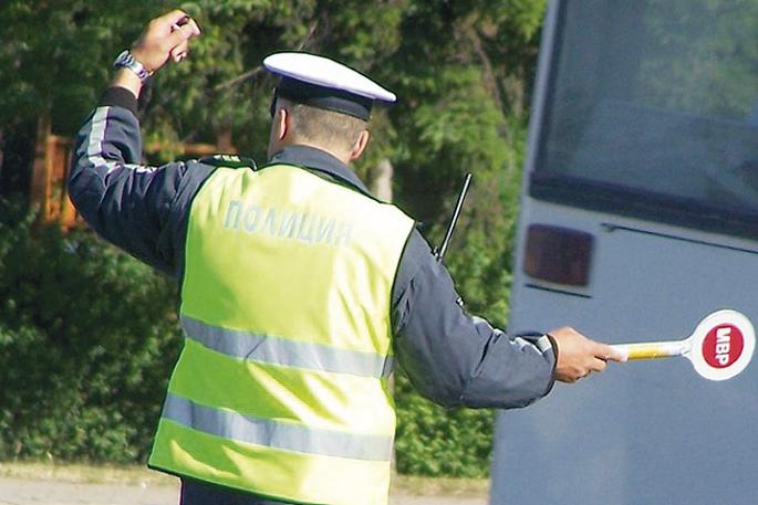 3_policai-palka