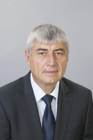 Темата за безработицата в региона е актуална и болезнена, коментира областният управител проф. Пенчо Пенчев.