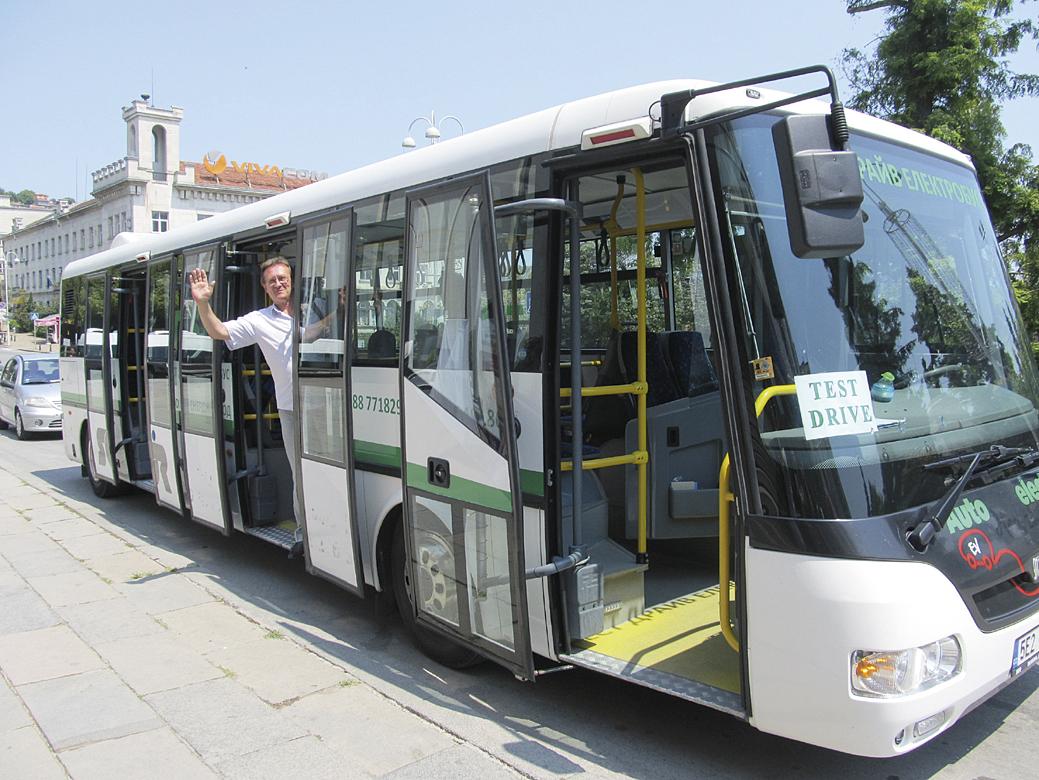 Емил Кимак, представи тестовия електробус.