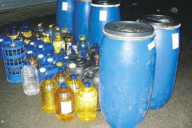 Над 5 тона безакцизен алкохол задържаха през м.г. митничарите в ТМУ.