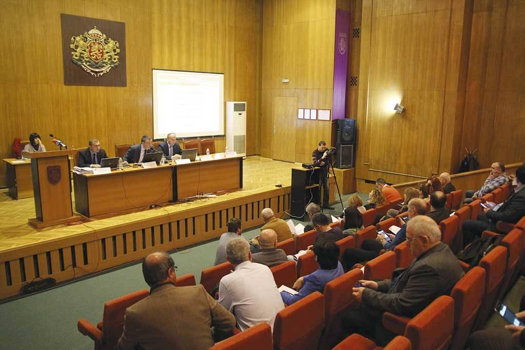 Момент от заседанието на Великотърновския общински съвет.