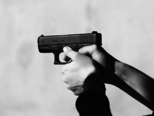 9-strelba-s-pistolet
