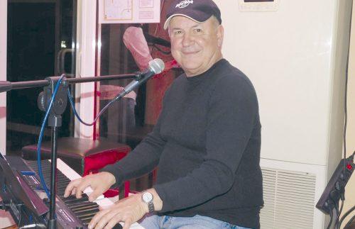 Родът на музиканта Валди Тотев е от В. Търново, а прадядо му дори е бил кмет на града | Янтра ДНЕС live